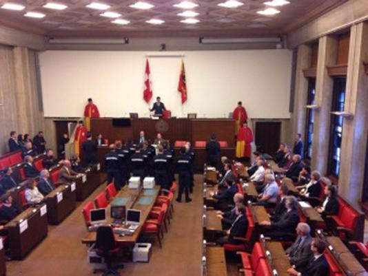 La prestation de serment dans la salle du Grand Conseil (au centre François Longchamp)
