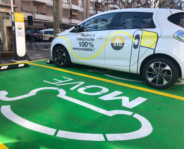 Genève inaugure sa première borne de recharge sur la voie publique