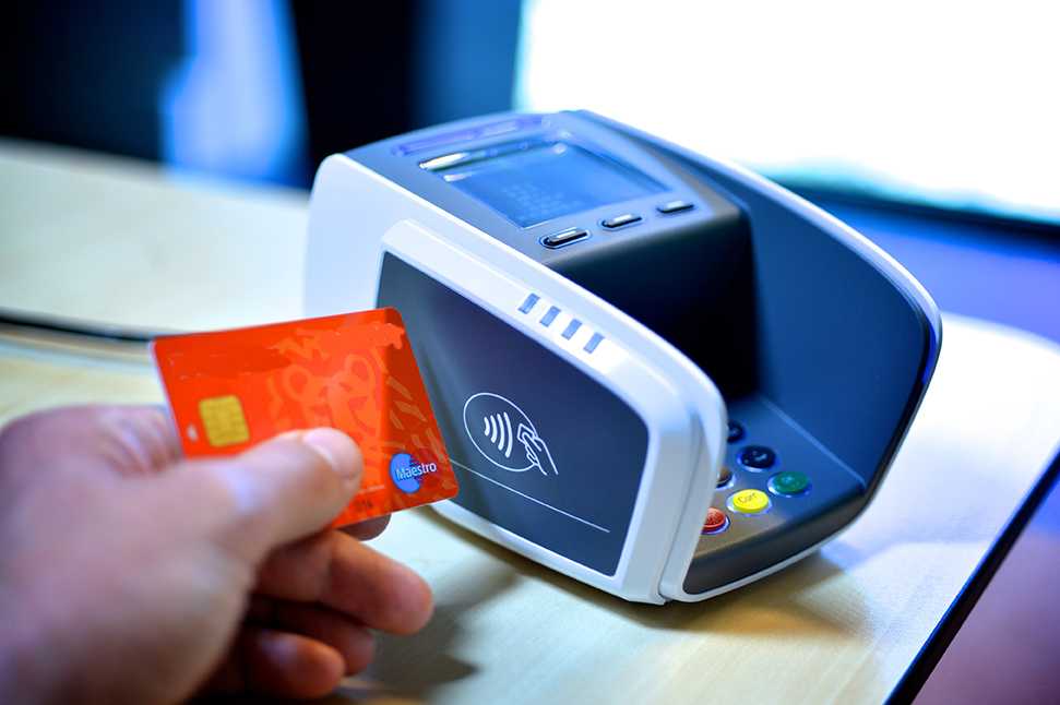 COVID-19 : Les paiements sans contact explosent en Suisse